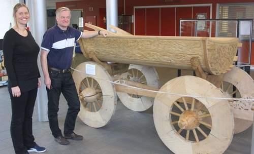 Osebergvognen – utforming, bruk og treskurdens symbolikk