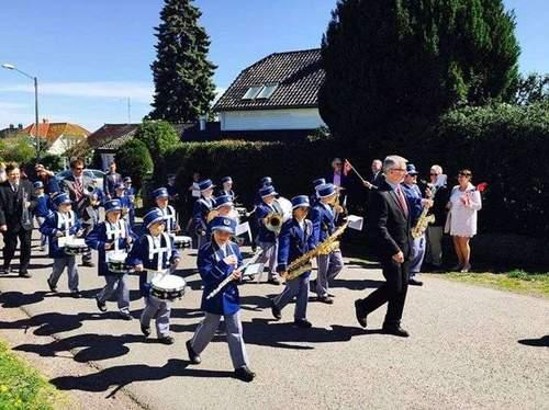 Åsgården Skolekorps spiller 17. mai 2017 i Åsgårdstrand