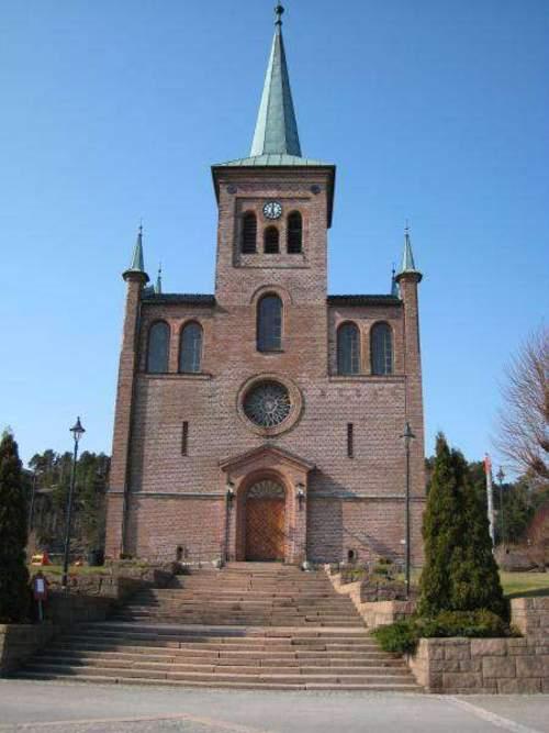 Svelvik kirke