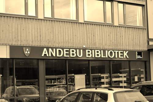 Andebu bibliotek