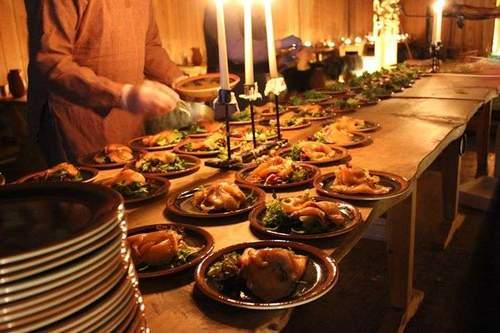 Gratis gilde i Gildehallen - matstudenter lager vikingmat!
