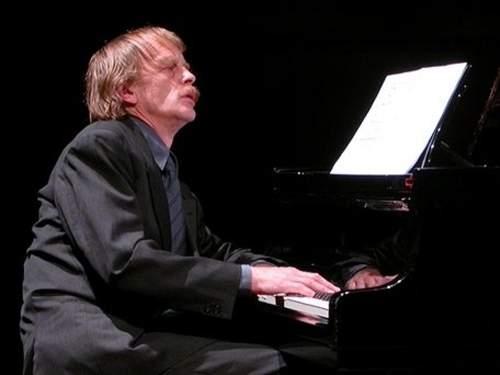 En helfransk aften med pianisten Håkon Austbø
